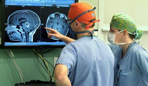 Neurosuregeon